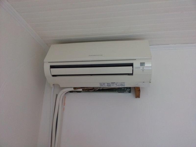 gaz r410a pour le d pannage d 39 un climatiseur bi split mitsubishi aubagne pr s de g menos. Black Bedroom Furniture Sets. Home Design Ideas